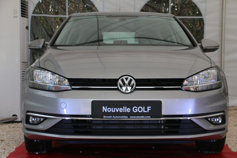 la nouvelle golf facelift de volkswagen style confort et fiabilit prix voitures neuves en. Black Bedroom Furniture Sets. Home Design Ideas